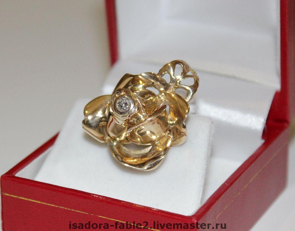 золотые кольца в виде цветка