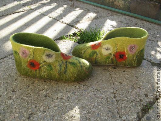 """Обувь ручной работы. Ярмарка Мастеров - ручная работа. Купить Домашние тапочки """"Маки"""". Handmade. Зеленый, красота и здоровье"""