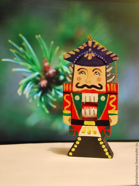 Новый год 2017 ручной работы. Ярмарка Мастеров - ручная работа. Купить Щелкунчик (деревянная игрушка на елку, сувенир). Ручная работа.. Handmade.