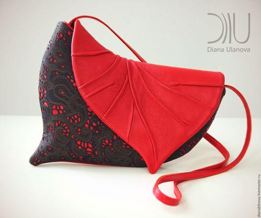 """Женские сумки ручной работы. Ярмарка Мастеров - ручная работа. Купить Клатч """"Лист"""" красный. Handmade. Кожаная сумка, однотонный"""
