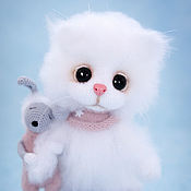 Котенок Снежка и Зая-сплюша