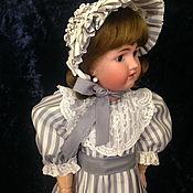Одежда для кукол ручной работы. Ярмарка Мастеров - ручная работа Платье и боннет шелковое в полоску продано. Handmade.