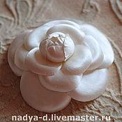 Украшения ручной работы. Ярмарка Мастеров - ручная работа Камелия белого цвета из шелка. Handmade.
