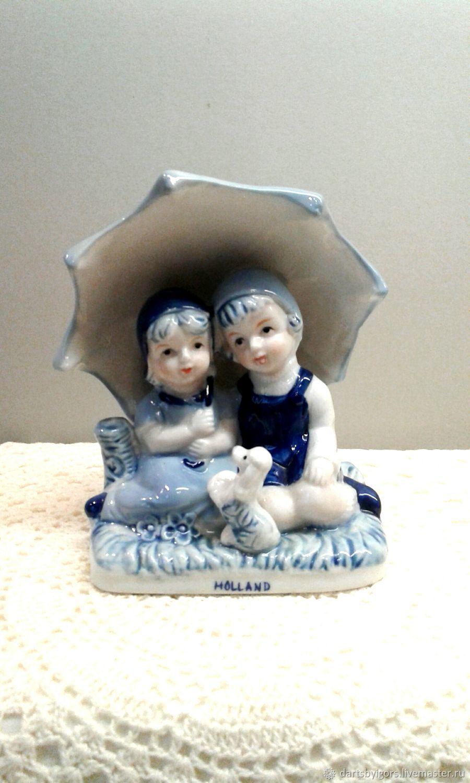 Винтаж: .Девочки сидящие под зонтом .Делфтский фарфор, Винтажные предметы интерьера, Рига,  Фото №1