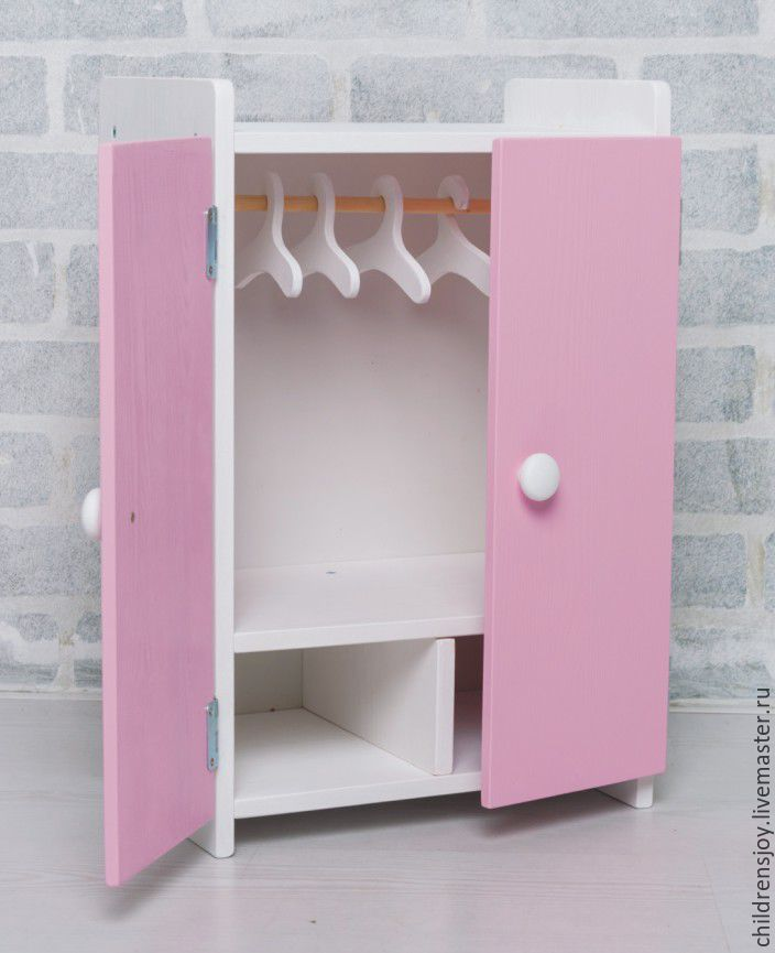 Как сделать маленький шкаф для кукол