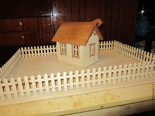 Кукольный дом ручной работы. Ярмарка Мастеров - ручная работа. Купить Домик с двориком. Handmade. Бежевый, домик, кукольный дом