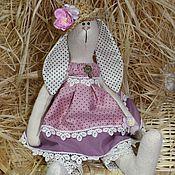 Куклы и игрушки ручной работы. Ярмарка Мастеров - ручная работа Зайчиха в соломенной шляпе. Handmade.