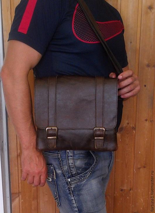 Мужские сумки ручной работы. Ярмарка Мастеров - ручная работа. Купить Сумка кожаная мужская 120. Handmade. Коричневый