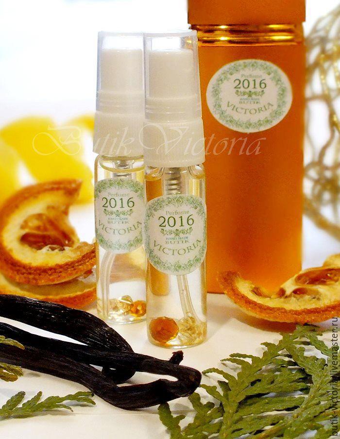 постепенно раскрываясь на коже, аромат создает эффект, подобный феромонам.