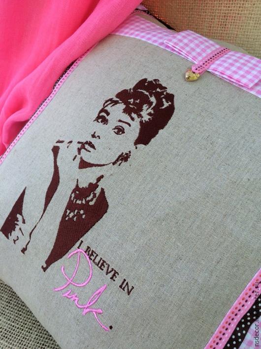 """Текстиль, ковры ручной работы. Ярмарка Мастеров - ручная работа. Купить Подушка интерьерная """"I believe in pink"""". Handmade."""
