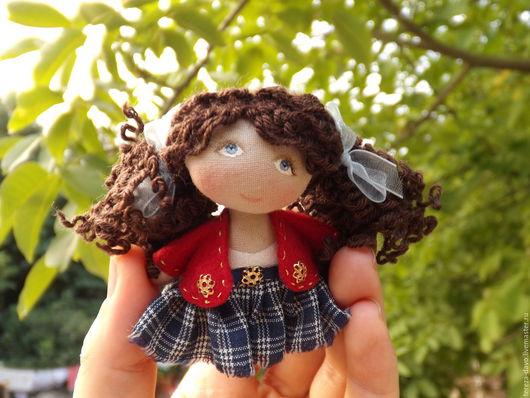 Миниатюра ручной работы. Ярмарка Мастеров - ручная работа. Купить Куколка 8 см брошка или брелок. Handmade.