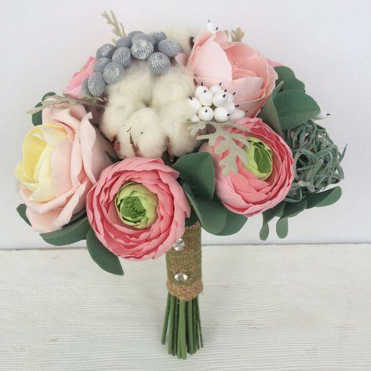Свадебные цветы ручной работы. Ярмарка Мастеров - ручная работа. Купить Зимний букет невесты с ранункулюсами и хлопком. Handmade.