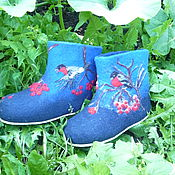 Обувь ручной работы. Ярмарка Мастеров - ручная работа Тапки- валенки Любимые снегири. Handmade.