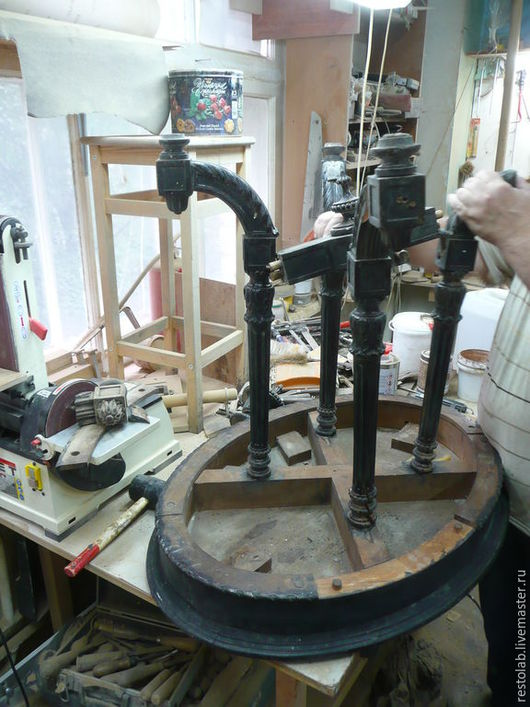 Реставрация. Ярмарка Мастеров - ручная работа. Купить Реставрация старинного резного орехового стола.. Handmade. Коричневый, старинный стол, орех