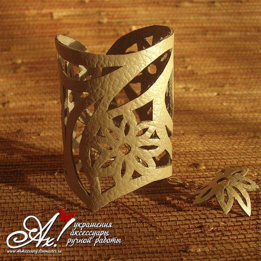 """Браслеты ручной работы. Ярмарка Мастеров - ручная работа. Купить Кожаный браслет """"Ромашковый орнамент"""". Handmade. Белый, браслет из кожи"""