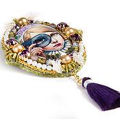 """Украшения ручной работы. Ярмарка Мастеров - ручная работа Брошь """"Виолетта""""(брошь с девочкой,винтаж,фиолетовый,золотой, карнавал). Handmade."""