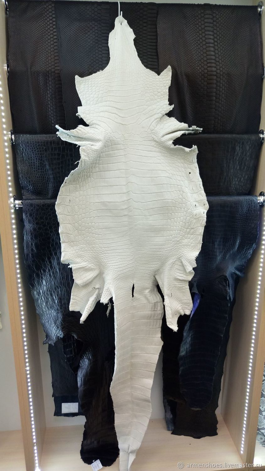 Krast crocodile skin (not painted leather), the ventral portion of the, Leather, Tosno,  Фото №1