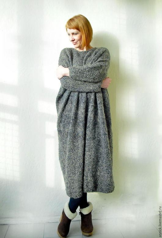 Платья ручной работы. Ярмарка Мастеров - ручная работа. Купить Теплое вязаное платье свободное. Handmade. Вязаное платье