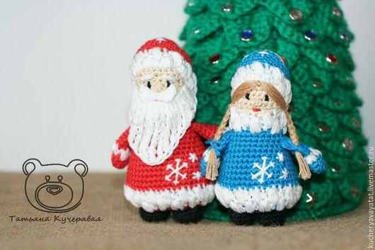Праздничная атрибутика ручной работы. Ярмарка Мастеров - ручная работа. Купить Елочные игрушки крючком Дед Мороз и Снегурочка. Handmade.