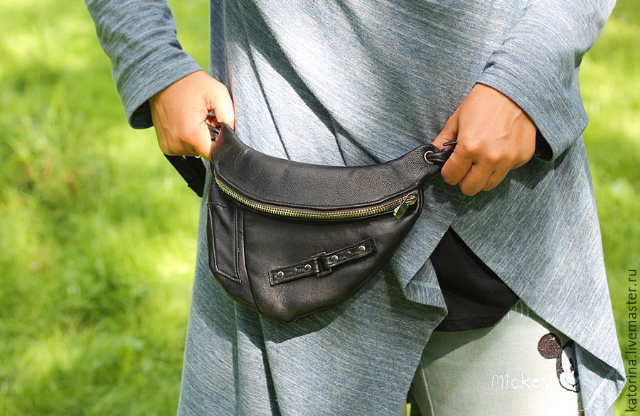 We sew custom-made belt bag in this model! There are all sizes and colors available on request.