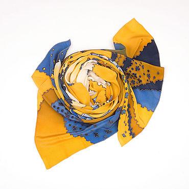 """Аксессуары ручной работы. Ярмарка Мастеров - ручная работа Горчично-жёлтый шёлковый шарф """"Цветы на пляже"""" батик. Handmade."""