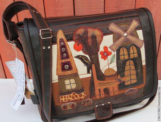 """Женские сумки ручной работы. Ярмарка Мастеров - ручная работа. Купить сумка """"Это он!Это он! Наш весёлый почтальон!"""". Handmade."""