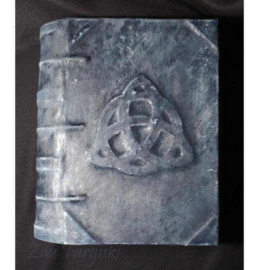 Эзотерические аксессуары ручной работы. Ярмарка Мастеров - ручная работа. Купить Книга теней с трикветром, синяя (на заказ). Handmade.