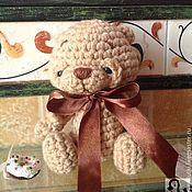 Куклы и игрушки ручной работы. Ярмарка Мастеров - ручная работа Мишка Пончик-помпончик по мотивам мишки Пончика для детей вязаный. Handmade.