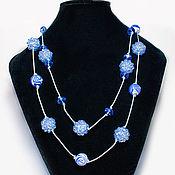 Украшения ручной работы. Ярмарка Мастеров - ручная работа Бусы и браслет синего цвета со стеклянными и плетеными бусинами. Handmade.