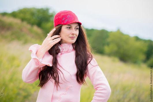 """Спортивная одежда ручной работы. Ярмарка Мастеров - ручная работа. Купить Кепка уточка  """"Красава"""". Handmade. Кепка, ярко-красный"""