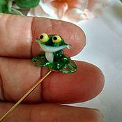Украшения handmade. Livemaster - original item Brooch-needle Lampwork figurine