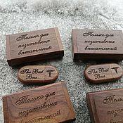 Сувениры и подарки handmade. Livemaster - original item Wooden flash drive with engraving in a box, gift. Handmade.