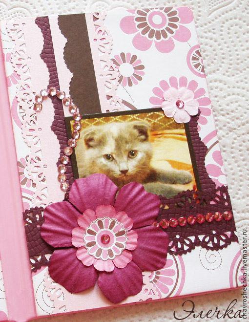Аксессуары для кошек, ручной работы. Ярмарка Мастеров - ручная работа. Купить Обложка на ветпаспорт со стразами и личным фото. Handmade.