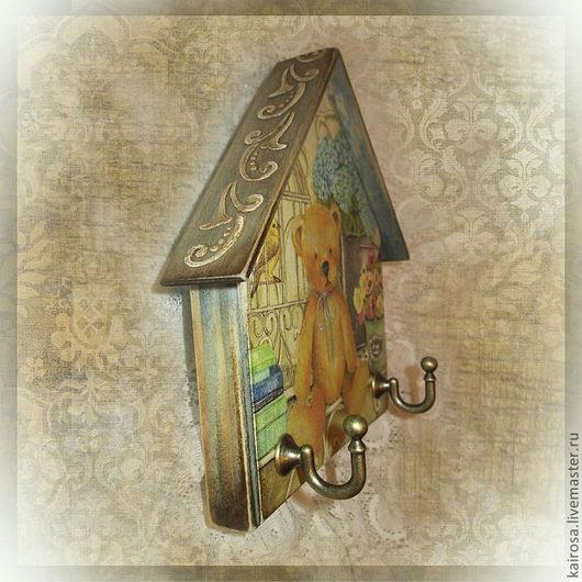 """Прихожая ручной работы. Ярмарка Мастеров - ручная работа. Купить Ключница (вешалка) """"Миша на даче"""". Handmade. Ключница, вешалка для ключей"""