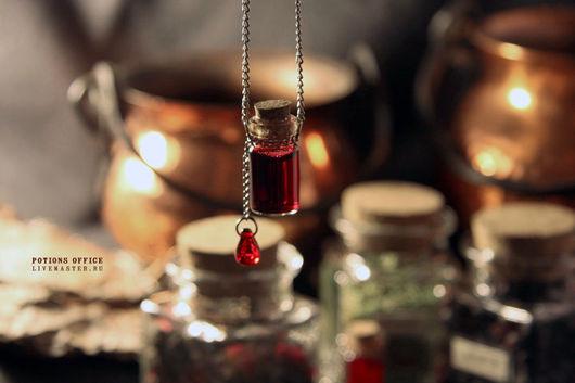 """Кулоны, подвески ручной работы. Ярмарка Мастеров - ручная работа. Купить Подвеска """"Pure blood"""". Handmade. Баночка, зельеварение, талисман"""