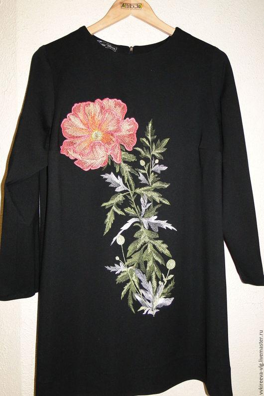Платье индивидуального пошива, цветок -машинная вышивка
