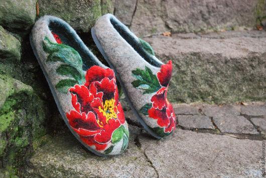 Обувь ручной работы. Ярмарка Мастеров - ручная работа. Купить Тапочки  «Пионы». Handmade. Серый, шерсть 100%