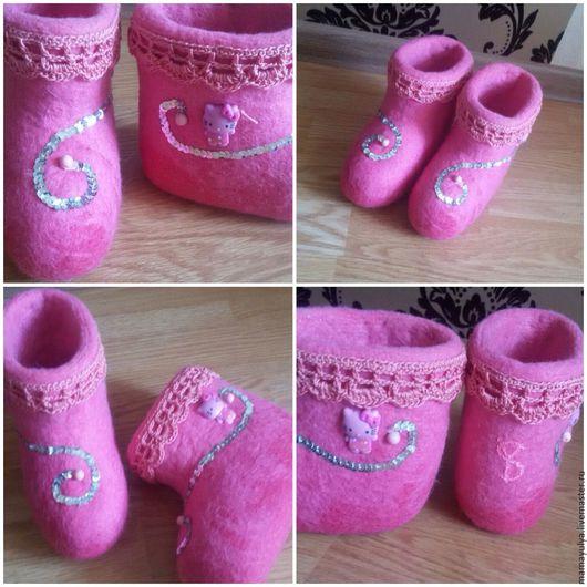 """Обувь ручной работы. Ярмарка Мастеров - ручная работа. Купить Валенки """"Hello Kitty"""". Handmade. Валенки, Китти, бусины"""