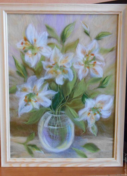 """Картины цветов ручной работы. Ярмарка Мастеров - ручная работа. Купить картина из шерсти цветочный натюрморт """"Белые лилии"""". Handmade."""