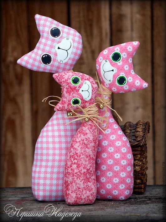 Игрушки животные, ручной работы. Ярмарка Мастеров - ручная работа. Купить Семья кошечек -Розовое облачко. Текстильная Интерьерная Игрушка Тильда. Handmade.