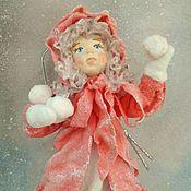 Куклы и пупсы ручной работы. Ярмарка Мастеров - ручная работа Ватная елочная игрушка. Девочка со снежками.. Handmade.
