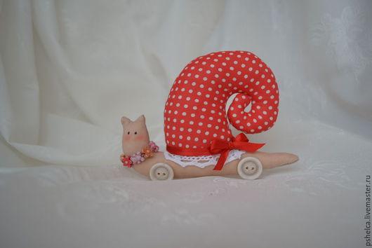 Куклы Тильды ручной работы. Ярмарка Мастеров - ручная работа. Купить Текстильная интерьерная игрушка Улитка. Handmade. Ярко-красный