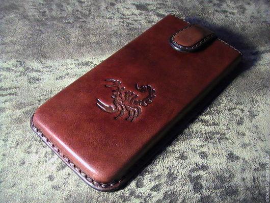 Для телефонов ручной работы. Ярмарка Мастеров - ручная работа. Купить Чехол для телефона, рождённому под знаком Скорпиона.. Handmade.