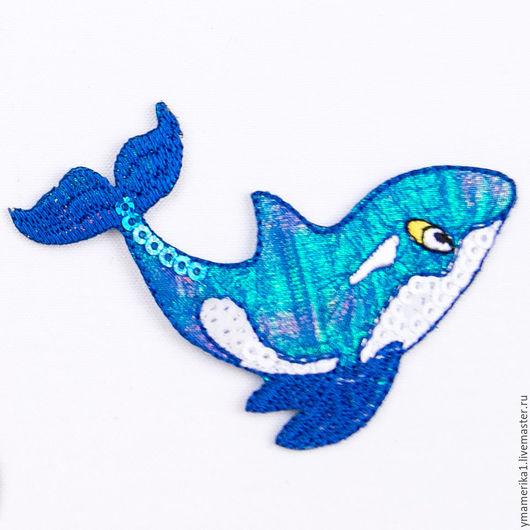термонаклейка, термоаппликация акула с пайетками, отделка одежды  аппликация на ткани, детская одежда 066.0082