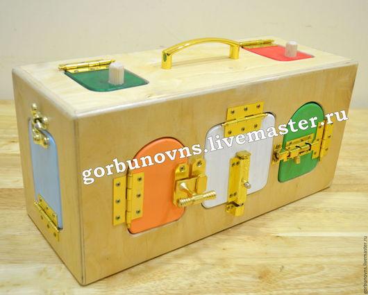 """Развивающие игрушки ручной работы. Ярмарка Мастеров - ручная работа. Купить Развивающая Игрушка """"Сундучок-Тайничок"""" с замочками по Монтессори. Handmade."""