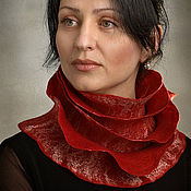 Аксессуары ручной работы. Ярмарка Мастеров - ручная работа Валяный шарф Красная роза. Handmade.