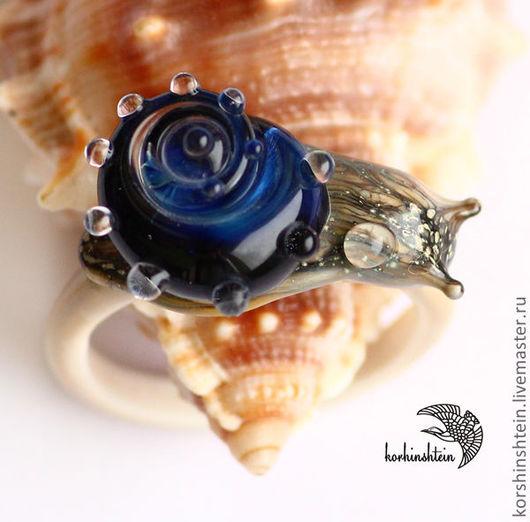 """Кольца ручной работы. Ярмарка Мастеров - ручная работа. Купить Кольцо """"Сапфировая раковина"""". Handmade. Синий, стекло"""