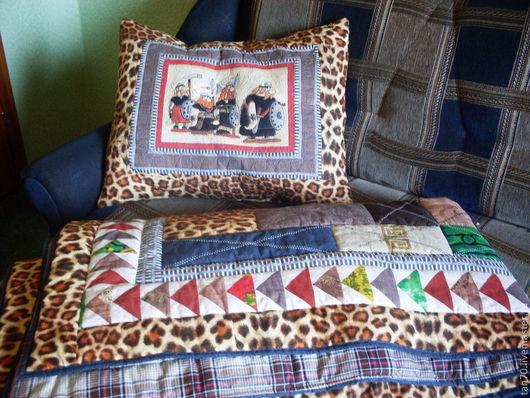 """Текстиль, ковры ручной работы. Ярмарка Мастеров - ручная работа. Купить комплект одеяло+подушка """"Рыцарю"""". Handmade. Одеяло пэчворк, холлофайф"""