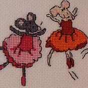 """Картины и панно ручной работы. Ярмарка Мастеров - ручная работа Вышивка крестом """"Мышки балеринки"""". Handmade."""