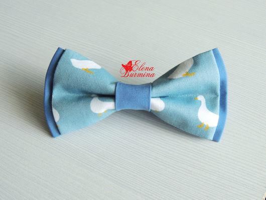 Галстуки, бабочки ручной работы. Ярмарка Мастеров - ручная работа. Купить Бабочка галстук с гусями, хлопок. Handmade. Голубой
